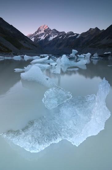 Aoraki Mount Cook Hooker Lake Icebergs New Zealand
